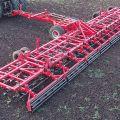 Почему арендовать трактор для вспашки земли лучше, чем его покупать?