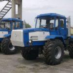 Трактора для вспашки земли