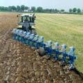 Преимущества вспашки земли и полей трактором