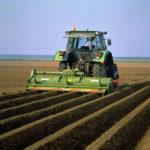 Приемы обработки почвы трактором