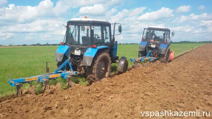 Вспашка полей тракторами МТЗ