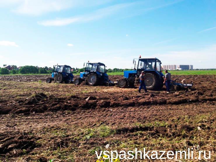 Вспашка в Ленинградской области
